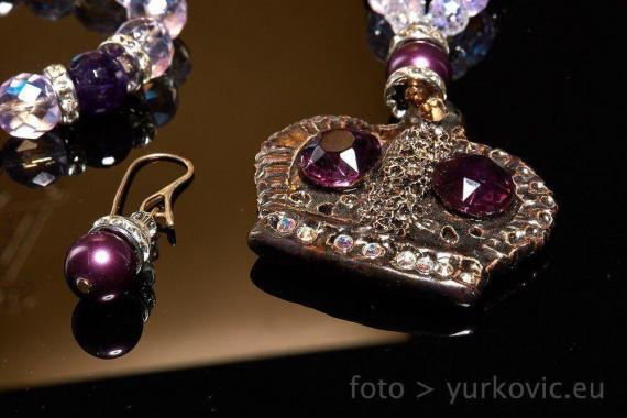 Atelier Hlavina: Jewel – violet - Ivett Axamitová