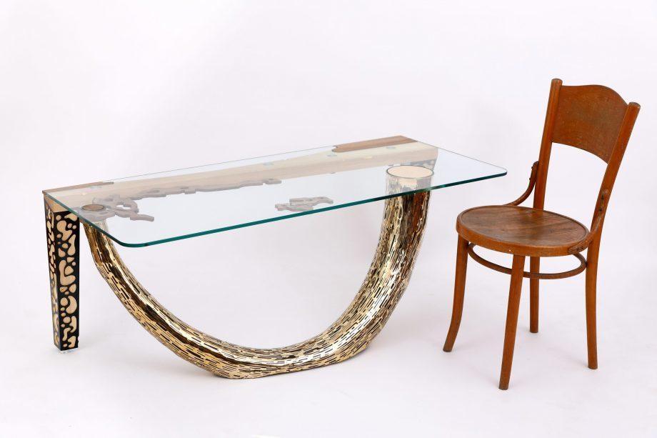Atelier Hlavina: Šimon Majlát - Mamutí kel – konferenčný stolík